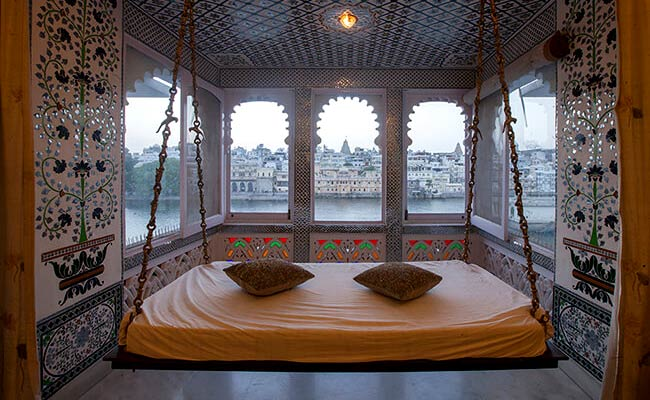 Lake Pichola Hotel Lake View Luxury Hotel In Udaipur Heritage